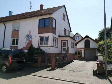 Schöne und modernisierte 6-Zimmer-Doppelhaushälfte zum Kauf in Minfeld