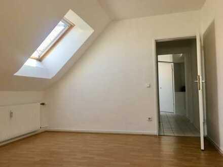 Schöne Dachgeschosswohnung mit individuellem Charme