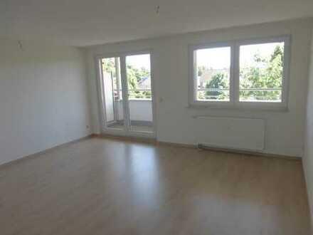 Eigentumswhg leer -tolle Maisonette 3 Zimmer mit Balkon, EBK, verkehrstechnisch gut angebunden