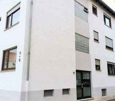 Kapitalanlage: langfristig vermietete 2 ZKB-Wohnung inkl. zwei Garagen