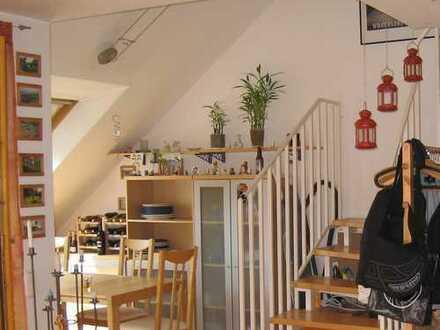 Lichtdurchflutete 3-Zimmer Wohnung in ruhiger Lage in Stuttgart, Schönberg