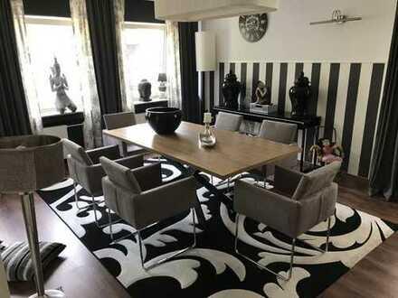 Schöne möbelierte drei Zimmer Wohnung in Gütersloh City