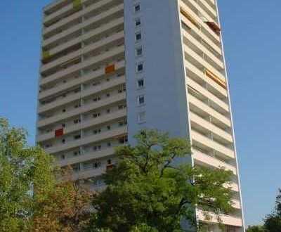 Stilvolle, geräumige und gepflegte 1-Zimmer-Wohnung mit Balkon und EBK in Ludwigshafen am Rhein