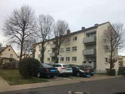 Gepflegte 4-Raum-Wohnung mit Balkon und Einbauküche in Ludwigshafen