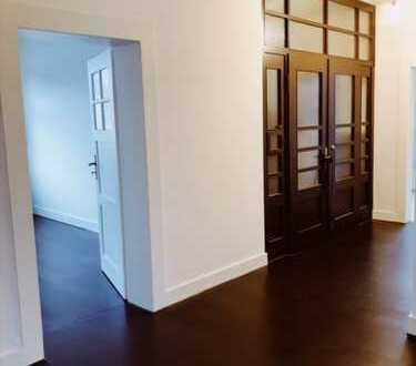 Stilvoll wohnen im Herzen von Seligenstadt, 5-Zimmerwohnung mit Terrasse