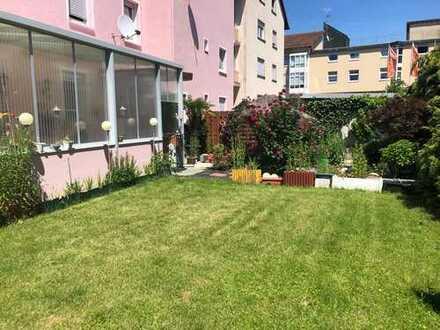 Schöne 3-Zimmer-Terrassenwohnung mit Terrasse in Zentrum von Rastatt
