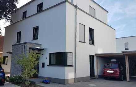 Moderne Doppelhaushälfte in ruhiger Stadtrandlage in Dreieichenhain