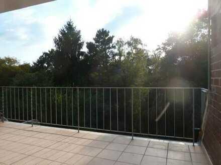 Nähe Uniklinik und Rhein, sonnige Terrasse mit Blick ins Grüne, lichtdurchflutete helle Wohnung