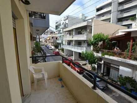 Ein-Schlafzimmer-Appartement im 1. Stock am Strand, in der Nähe des Stadtzentrums