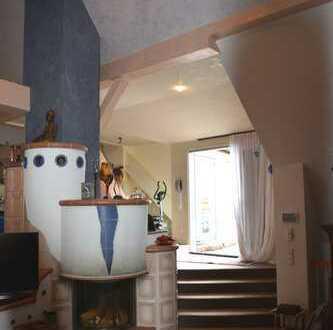 Exklusiv! Haus im Haus! 4,5 Zimmer-Wohnung mit Dachterrasse, Aufzug und Wellnessbereich in Kirrlach!