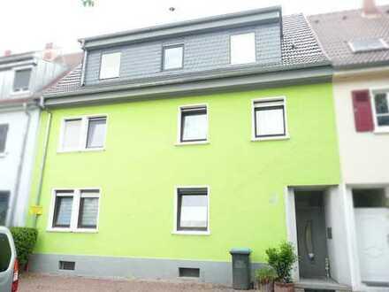Sehr schön renoviertes 1-3 Familienhaus