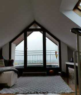 Stilvolle, gepflegte 3-Zimmer-Maisonette-Wohnung mit Balkon und EBK in Gerlingen