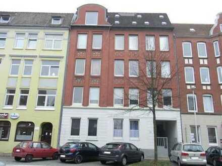 Kiel - Hassee: Grosse 4 Zimmer Eigentumswohnung im 1.0G mit 2 Balkonen. Sofort frei !