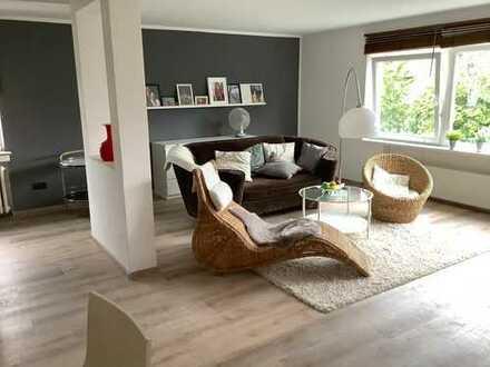 Sanierte 2-Zimmer-Wohnung 83 m2 ,möbliert in Junkersdorf, Köln