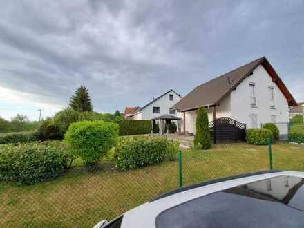 Schickes Einfamilienhaus 4 Zi. (180 qm Wohn- & Nutzfläche), EBK, Taunusstein-Neuhof Siedlung Platte