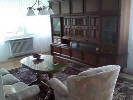 2 - Zimmer Wohnung möbliert (70er Jahre Stil) oder unmöbliert