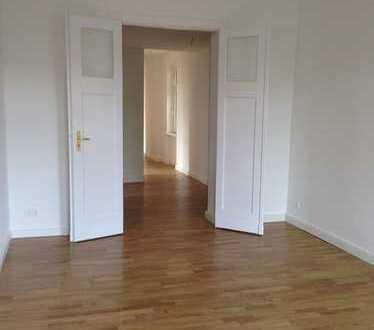 ++Wunderschöne, modernisierte Altbauwohnung mit 2 Balkonen im 2. OG++Steffelbauerstrasse++