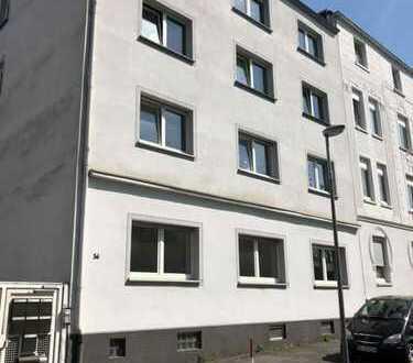 Attraktives Mehrfamilienhaus mit angebautem Büro und Lagerflächen in Bochum Riemke