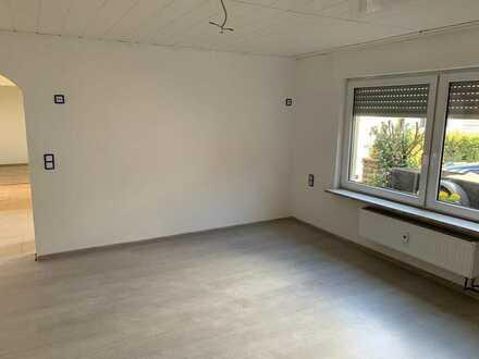 Vollständig renovierte 3,5-Raum-Wohnung mit Terrasse und Einbauküche in Bretten - Diedelsheim