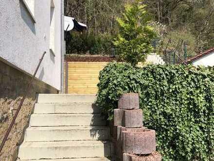 Vollständig renovierte, helle & freundliche 2-Zimmer-EG-Wohnung in Mainberg