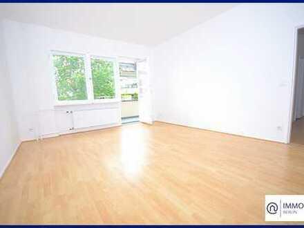 Großzügige 3-Zimmer Altbau Wohnung in ruhiger Lage mit Blk & Gartennutzung