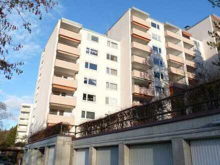 SOFORT EINZIEHEN! Frisch sanierte, familiengerechte 4-Zimmerwohnung mit Süd-Balkon und Aussicht