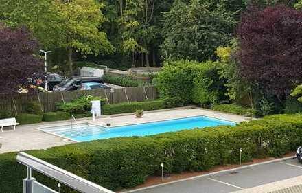 Von privat! Modernes 1 Zimmer Appartement mit großzügigem Swimmingpool in direkter Strandlage