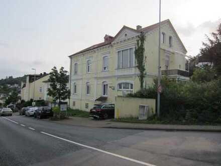 3 Zimmer Wohnung in Kulturdenkmal mit Bushaltestelle vor der Tür in Bad Schwalbach