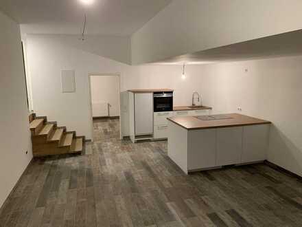 Erstbezug nach Sanierung: Loftige 3,5-Zimmer-EGWohnung (EBK & Terrasse) in beliebter Rod-Wohnlage