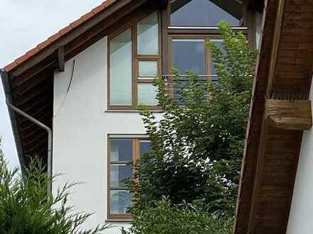 Großes, exklusives, architektonisch interessantes Einfamilienhaus