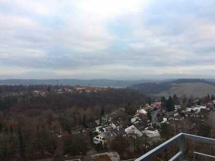 Wohnen über den Dächern von Tübingen! 3 Zimmer Wohnung mit EBK, Balkon, Keller und KFZ Stellplatz