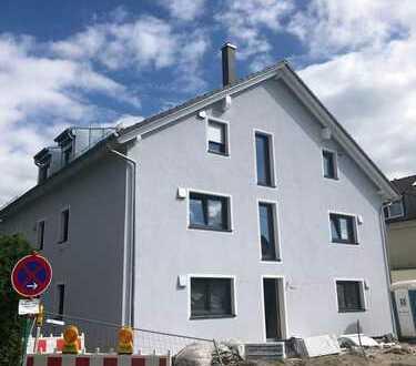 MH Immobilien- DG-Neubauwohnung mit großem und mit Sonne verwöhntem Balkon