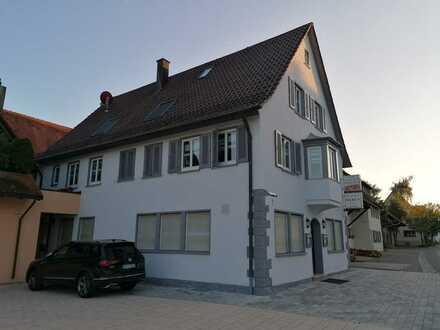Erstbezug nach Sanierung: schöne 4-Zimmer-Wohnung in Nagolderstrasse, Jettingen