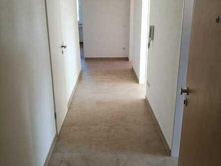 Erstbezug nach Sanierung: stilvolle 4-Zimmer-Wohnung mit Balkon in Regensburg