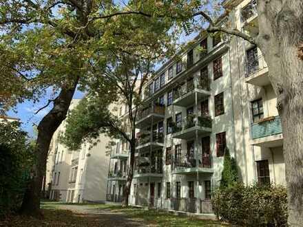 Top Lage zwischen Innenstadt und Rosental / Frei mit Verkauf/ große Dachterrasse