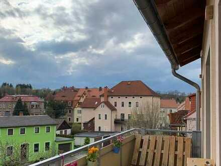 Neuwertige 4-Raum-DG-Wohnung mit Balkon in Dippoldiswalde