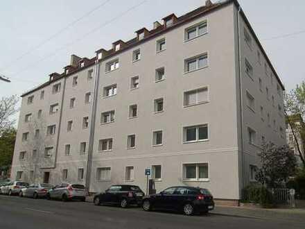 Maxvorstadt - Erstbezug nach Sanierung / 2-Zi.-Wohnung mit Wohnküche in bester Lage!