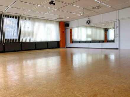 Ehem. Tanzstudio/Tanzschule, auch als Büro/Lager/Fitness/Aerobic/Yoga/Judo/EMS Trainingsraum nutzbar