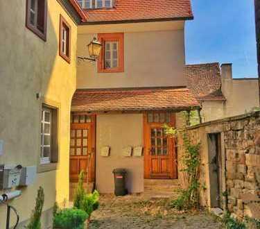 NW-Mußbach: Mehrfamilienhaus mit 3 Wohnungen