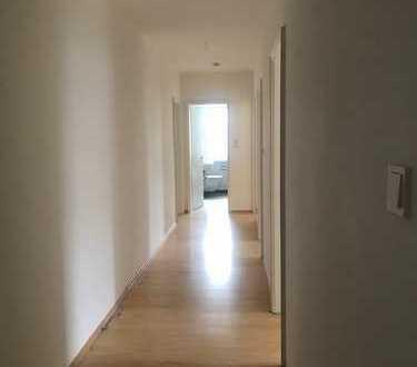 TOP renovierte 4 Zimmer-Wohnung in schöner Lage am Harras