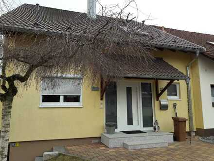 Schöne Doppelhauhälfte mit sechs Zimmern in Schwarzwald-Baar-Kreis, Villingen-Schwenningen