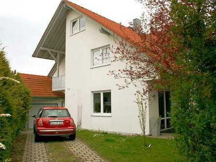 Schöne Doppelhaushälfte mit sieben Zimmern in Westerstetten, Alb-Donau-Kreis