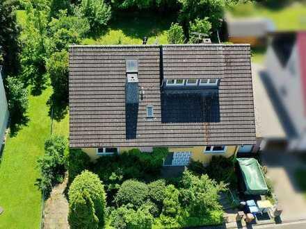 Großzügiges 2-Familienhaus mit hübschem Garten und Garage