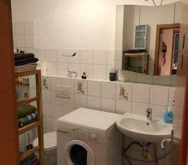 Zwei 14qm Zimmer in 84qm 2er-WG zur Zwischenmiete