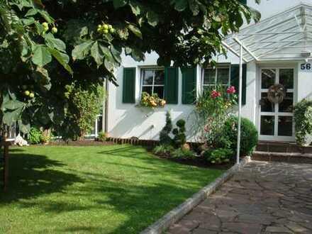 Sonnige Doppelhaushälfte mit Garten sucht neuen Mieter