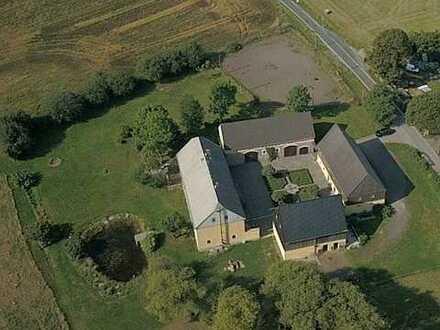 4-Seitenhof mit ca. 2 ha Grundstück, umfassend liebevoll saniert mit vielfältigen Nutzungsmöglichkei