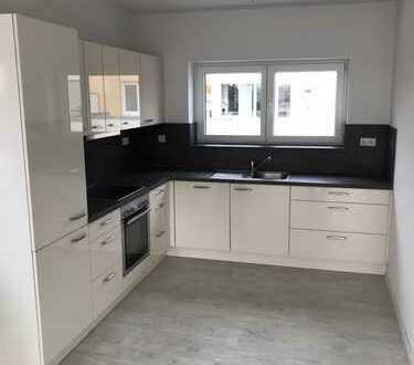 Wunderschöne 3,5-Zimmer-Penthouse-Wohnung im Neubau mit Dachterrasse und EBK in Bad Rappenau Stadt