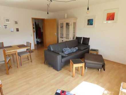 Vollständig renovierte 4-Zimmer-Wohnung mit Terrasse und Einbauküche in Reutlingen