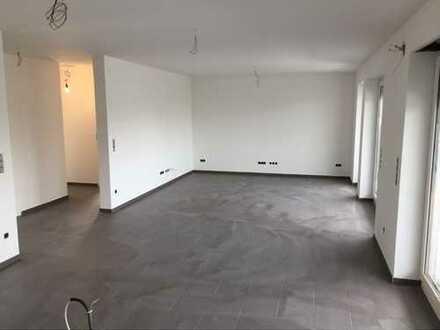 Erstbezug 100qm: Tolle Penthouse-Wohnung mit Balkon