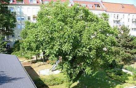 """""""Villa Noyer"""": Großzügige 3-Zimmer-Dachgeschoss-Wohnung mit Loggia"""